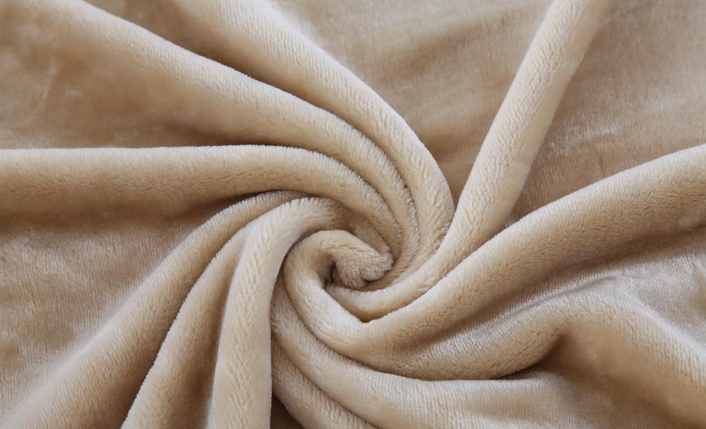秋冬毛绒产品所带动的一些化纤需求