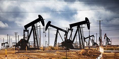多重利空来袭,原油持续回调