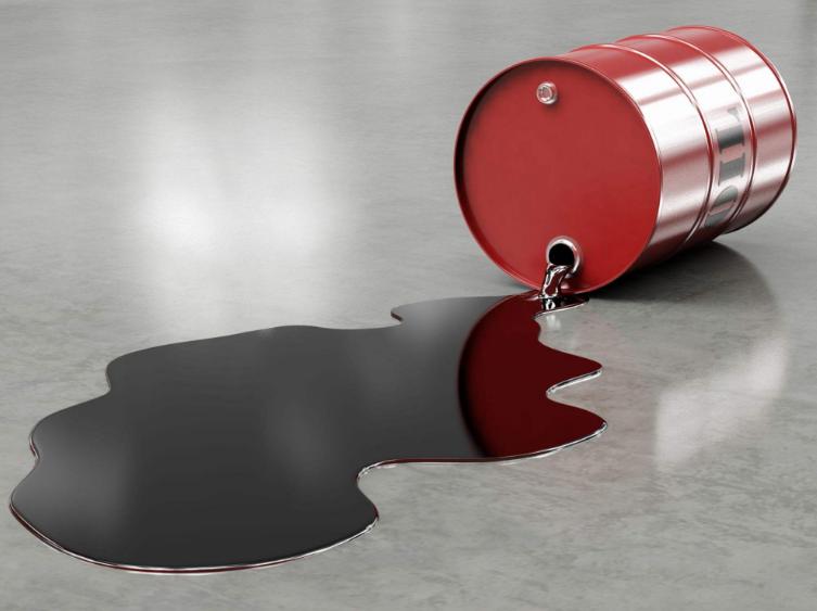 ��r�g�上看原油近期大跌的�^程