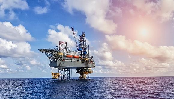 宏观经济利空频现,油价大幅回落