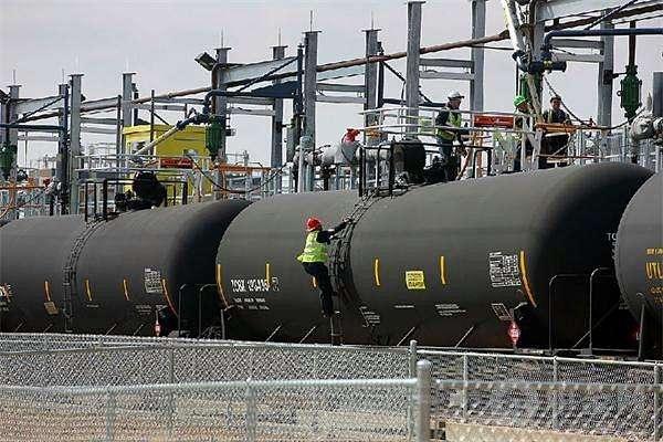 沙特率先�_��r格�穑�油�r低�_20%以上
